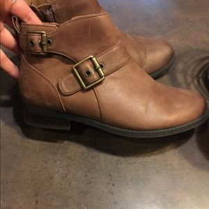 leather vionic booties 7